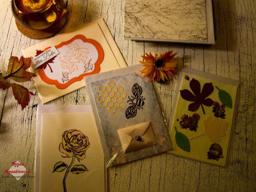 Fünf herbstliche Karten mit Blättern, Bienen und Blumen